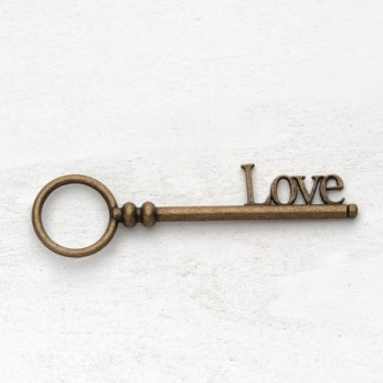 Μεταλλικό μοτίφ κλειδί love
