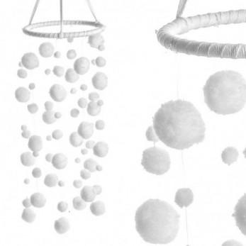 Ονειροπαγίδα με λευκά pom-pom