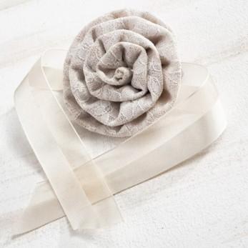 Δετό δαντελένιο λουλούδι